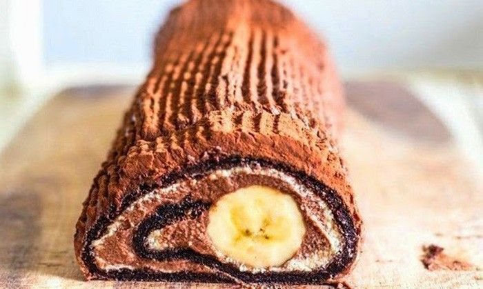 Čokoládová roláda s banánem