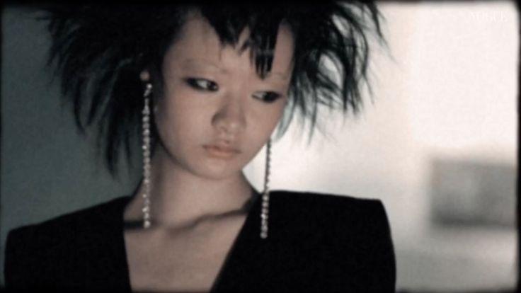 イットモデルたちがロックガールに変身