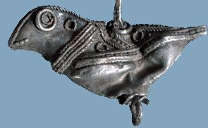Silver bird/ Viking age / Finnish It never ocurred to me that there were vikings in Finland! Were there?? This bird doesn't look like viking art, and even to make a BIRD isn't very viking. More of a Russian influence perhaps? Research needed... :) Either way, it's lovely!
