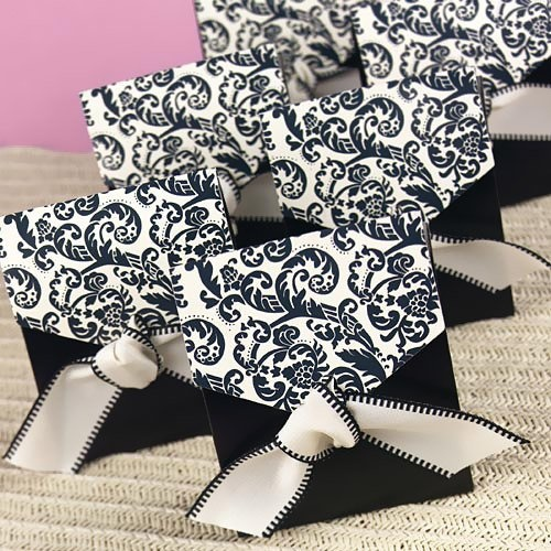 Damask Favor Bags by Beau-coup Also tea lights in this pattern