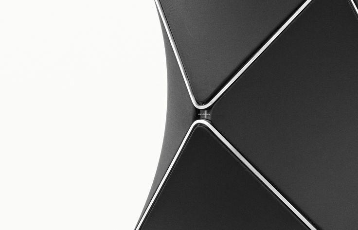 BeoLab 90 - Bang & Olufsen's High End Floor Loudspeaker | Bang & Olufsen