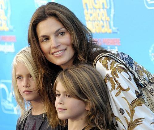 'Ομορφη Μαμά .. 'Ομορφα παιδιά!!
