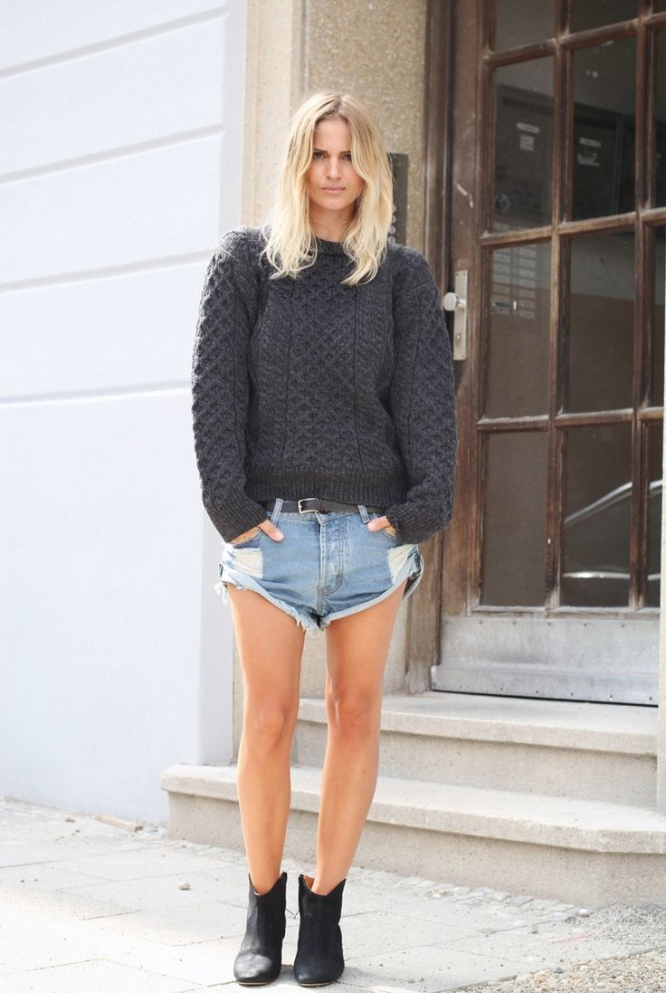Chunky knits paired with ankle booties and hot shorts is always a great  go-to choice for an outfit