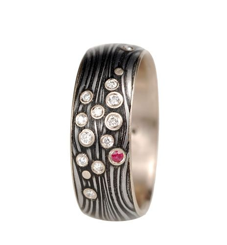 Secret Life of Jewelry - A Universe of Handcrafted Art to Wear: Victoria Moore Jewelry