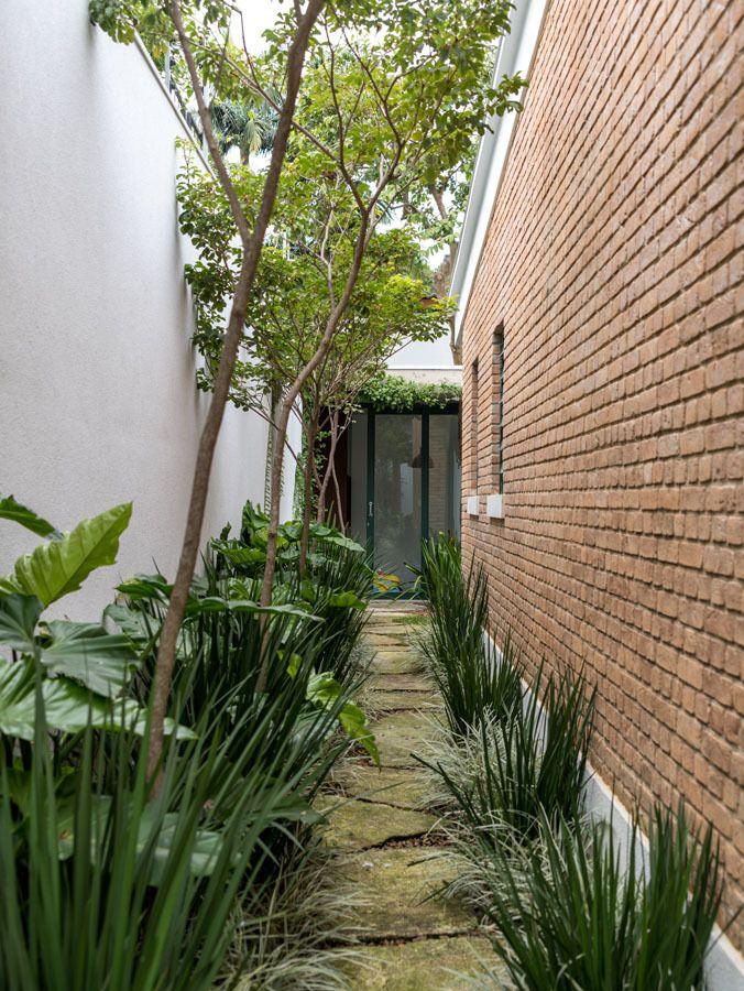 Gallery of CSF House / Felipe Hess - 3
