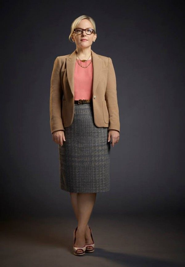 Rachael Harris - Dr Linda Martin