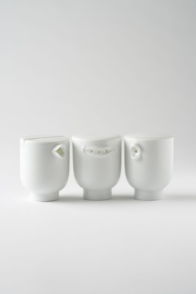 current obsessing over Nendo, Japanese designers. Love these! soya salt en pepper en the mouths display the actual mouth while saying the words(in japanese)
