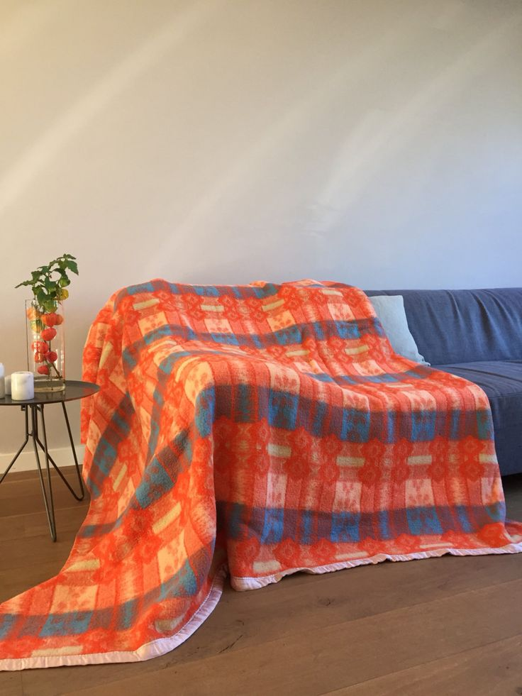 Rare wool blanket with blue and orange retro design - vintage door ChrisVintageStyle op Etsy