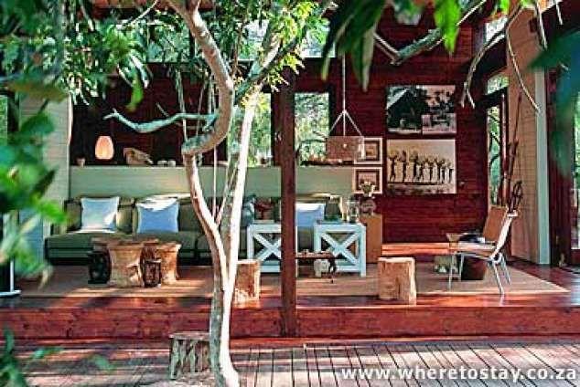 iZungla Lodge - Hluhluwe accommodation. Hluhluwe Private Game Reserve Accommodation