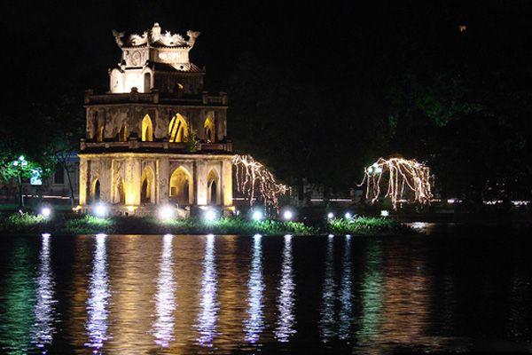 tháp rùa về đêm: Tháp Rùa, Hanoi, Rùa Về