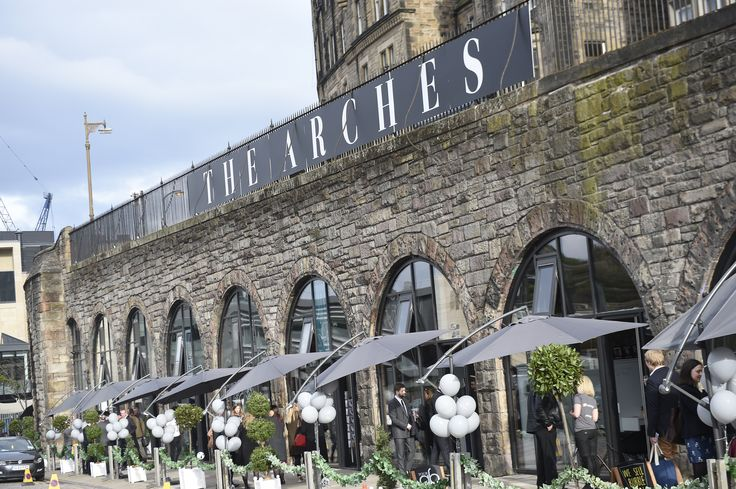@YOURgbEVENTS loved working this outdoor launch of The Arches - Ivy, Branded Balloons, Umbrellas and a Fantastic Team of Staff!