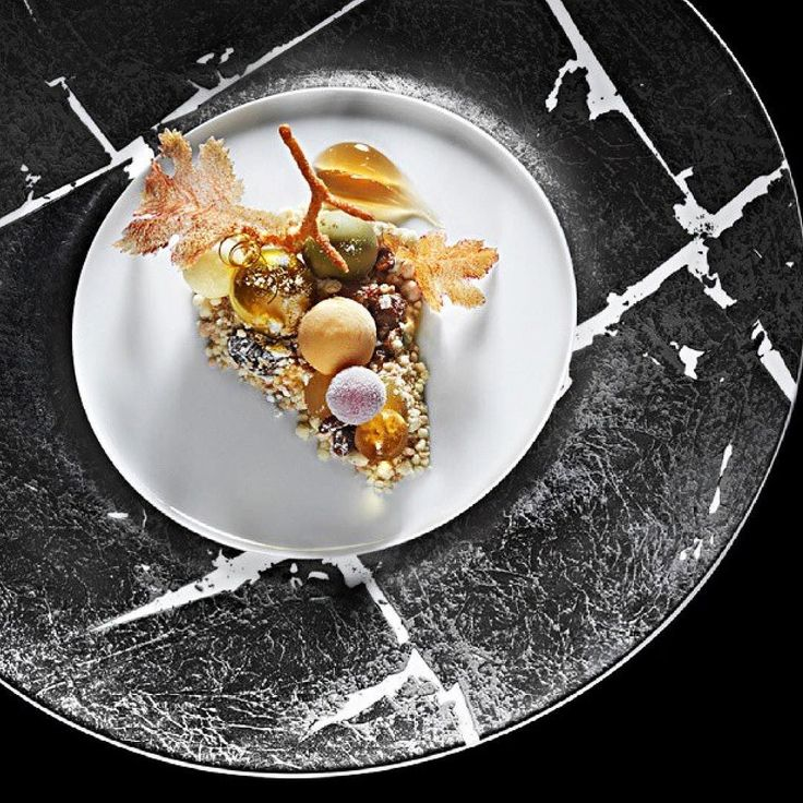 A mind blowing dessert by chef Heston Blumenthal where you can find at his restaurant The Fat Duck ! #TheFatDuck #ExpertFoods by expertfoods