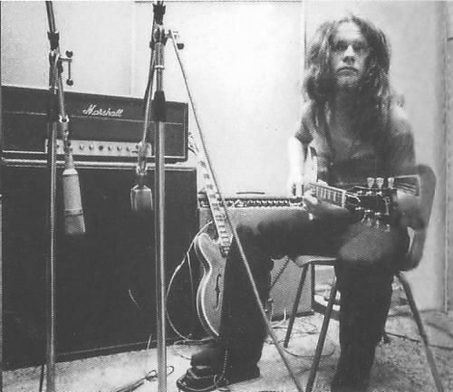 Free's Paul Kossoff had an unbelievable fret-hand vibrato!