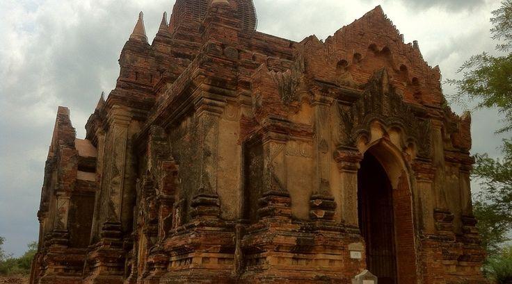 Eén van de ongeveer 3000 tempels in Pagan