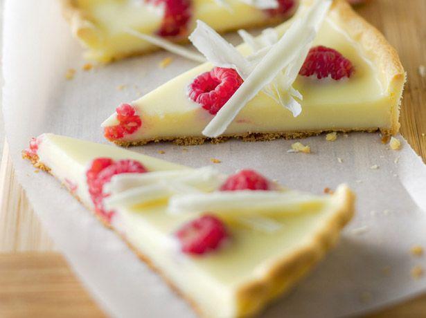 Tarte ganache au chocolat blanc et framboises - La Table à Dessert.