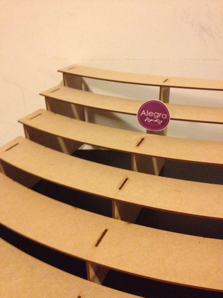 Escalera tipo grada para cupcakes lista para decorar tu for Grada escalera