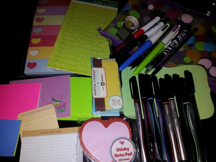Whats inside my stationary pouch
