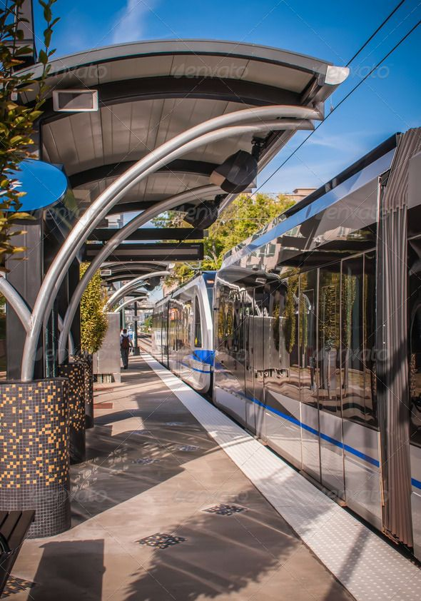 light rail train system in downtown charlotte nc