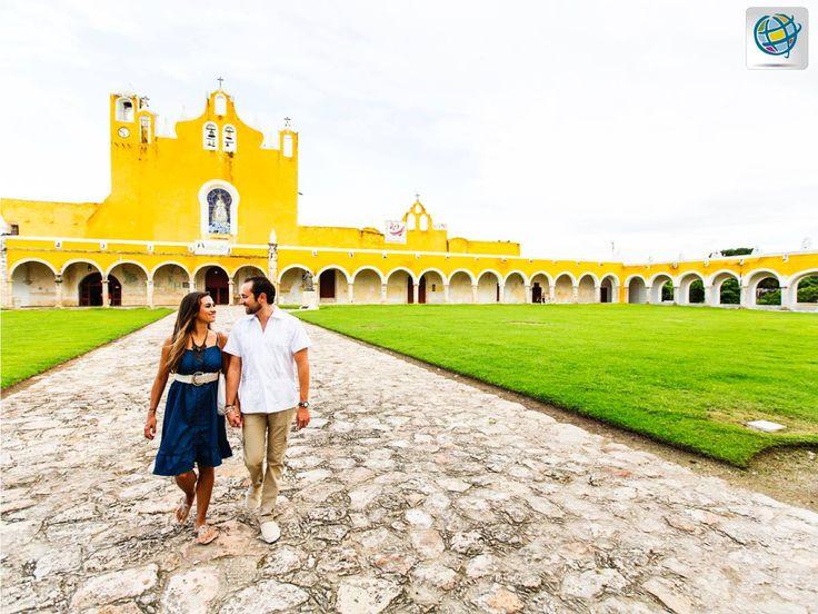 #Yucatán 👉 #México Puede apreciar gran variedad de edificios coloniales, museos, teatros, cafés al aire libre, bares, parques y restaurantes con comida típica nacional e internacional.