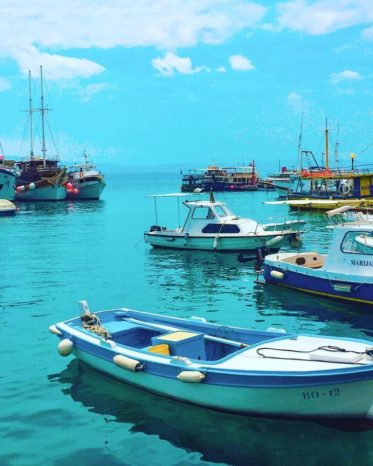 This is #Croatia... blue for days ✔️🌈 thefashionadvocate#Croatia #split #splitcroatia #eurotrip #europe #summer #bol #supetar #blue #lookwhosdawkinsnow #eurotrip2017 #loveinternational #travels #travelphotography #aussiesabroad #sun #seaside #boats #harbour #boatlife