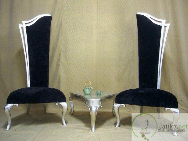 Untuk harga dari Kursi Sofa Raja Model Pedang ini kami bandrol dengan harga Rp 5.700.000 anda sudah bisa memiliki kursi sofa ini dirumah anda.