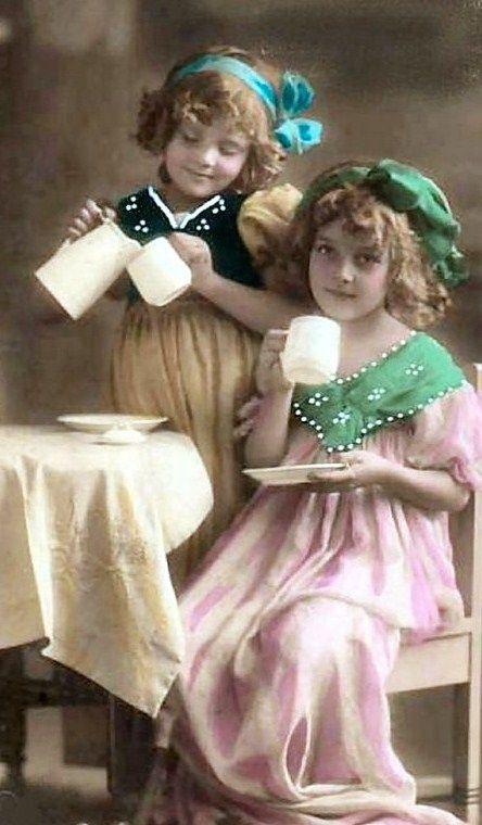 tea party: Teas For Two, Teas Time, Girls Drinks, Afternoon Teas, Drinks Teas, Vintage Teas Parties, Cups Teas Parties, Vintage Girls, Vintage Photo