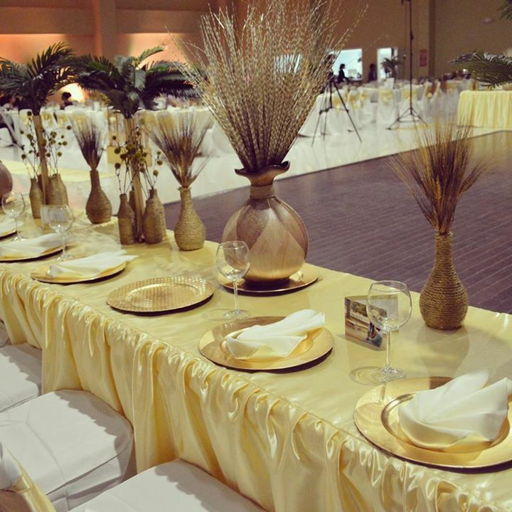 Gold Wedding Decor Ideas: Authentic Traditional Wedding! Royal! Gold Decorations
