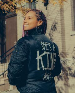 PHOTO: Alicia Keys Deserves An Award For Her Messages To Mother And Grandmother