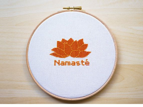 Namasté Patrón Punto de Cruz por LanasCrespo en Etsy