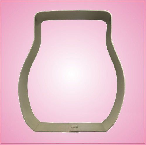 Our Scentsy cookie cutters are 4-1/2 inches tall, just under 4 inches wide, and are made of sturdy aluminum. Cleaning instructions: hand wash, towel dry. Buy your Scentsy cookie cutter today! Yes, we