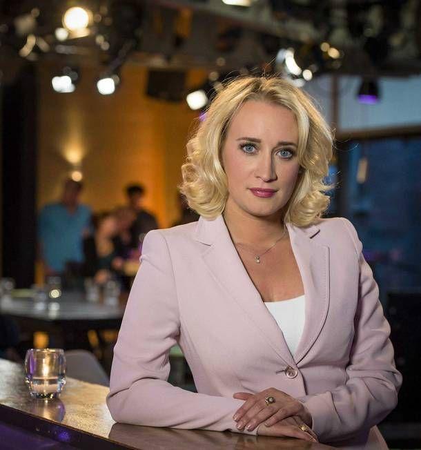 Bij de start van haar dagelijkse talkshow> Hoe Eva #Jinek in 7 jaar haar doel wist te bereiken http://www.volkskrant.nl/televisie/hoe-eva-jinek-in-krap-7-jaar-haar-doel-wist-te-bereiken~a3823237/?akamaiType=FREE…