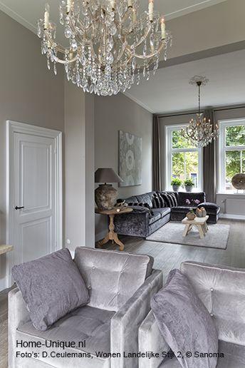 Binnenhuisarchitectuur grachtenpand landelijk wonen. Livingroom.