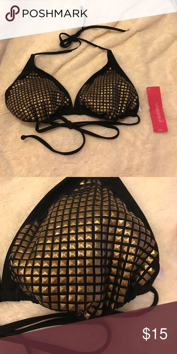 NWT black and gold triangle bikini top NWT black and gold triangle bikini top. Gold embellishment in the front is so cute! Xhilaration Swim Bikinis