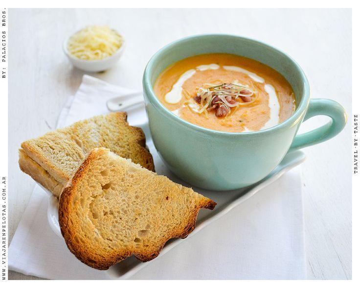 Sopa de Calabaza.. ideal para el frío! increíblemente cremosa <3  >> Receta en el blog!