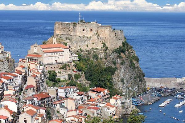 Scilla, IT
