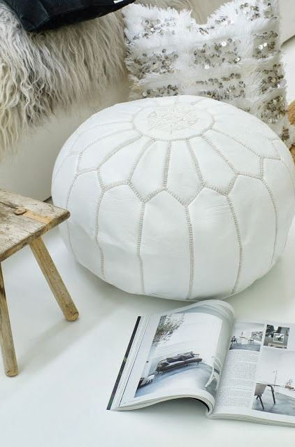 25+ best ideas about Moroccan Pouf on Pinterest   Poufs, Kilim ottoman and Moroccan floor cushions