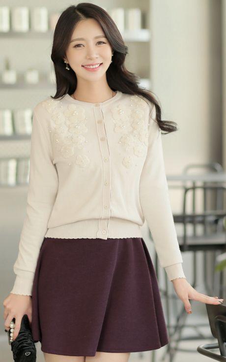 StyleOnme_Pearl Accent Flower Motif Cardigan #ivory #pearl #cardigan #sweet #cute #koreanfashion #kstyle #kfashion #dailylook #falltrend #seoul