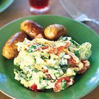 Recept - Mediterrane andijvie-tomaatstamppot - Allerhande Note: zelf nog klein bakje uitgebakken spekjes toegevoegd! Lekker met de jus van de worst.