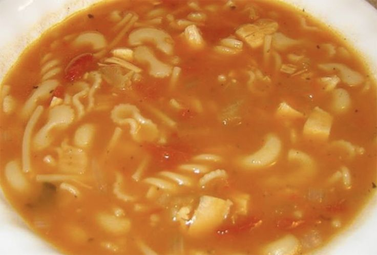 Recette: Soupe poulet et nouilles aux tomates.