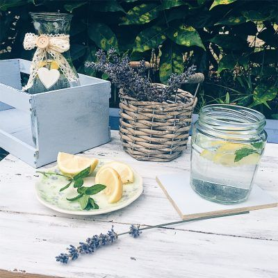 picnic sul prato - foto di greenteaforbreakfast.com