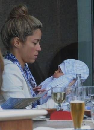 Shakira, con su bebe Milan Pique Mebarak :) tan hermosa ella