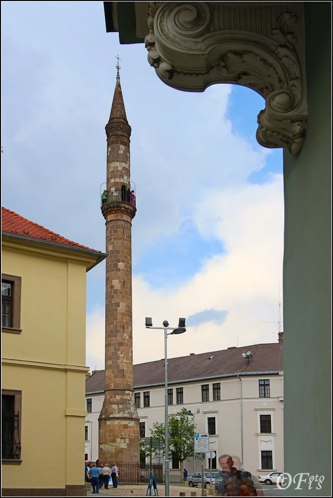 De northernmost Turkish Minaret in de city of Eger, located on de Eger Stream, on de hills of de Bükk Mountains, Heves_ East Hungary
