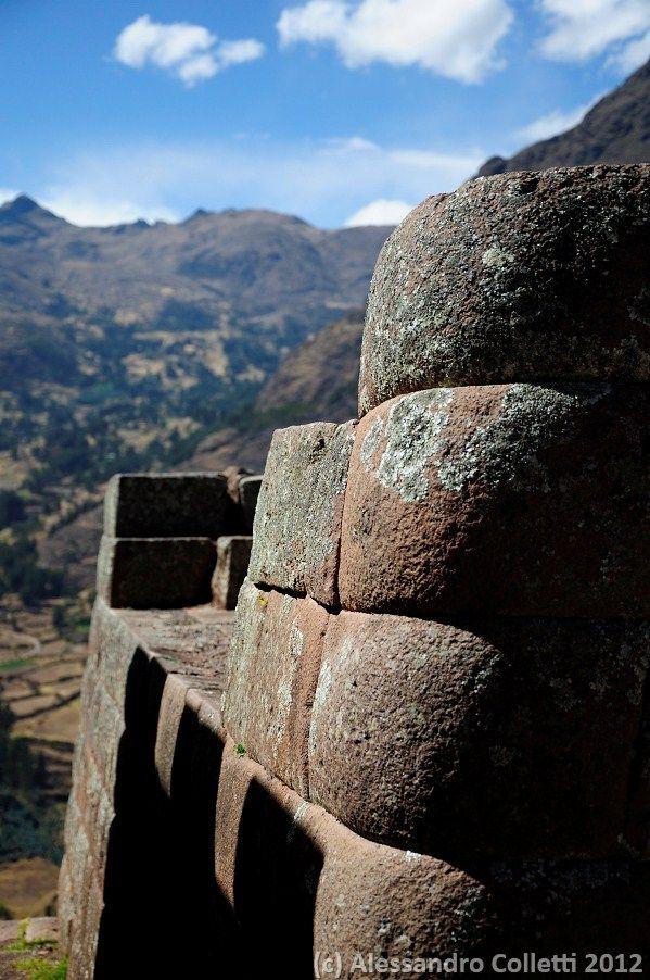 Peru' - Pisac ancient stone structure
