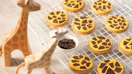 Giraffenkekse | Allerliebstes Backrezept für Giraffenkekse - köstlich knusprig und fein nussig.