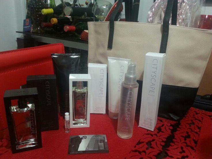 Llevatelo todo!!!  Ya llegó la nueva colección Cityscape. (edición limitada) Wow, fabulosos productos y con una promoción. GRATIS. Bolsa Mary Kay Cityscape con una compra de $90 en cualquier combinacion de productos Cityscape. #marykay #cityscape. (muestras gratis de los perfumes) #edicionlimitada #new #yusleidispadron #gift #regalo #fragrance #hairwash #bodywash #parfum #cologne #dryoilmist #dryoilspray #showergel #hairandbodywash #yusleidispadron