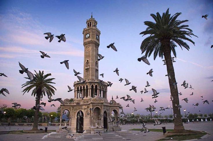 saat kulesi : konak meydani izmir turkey