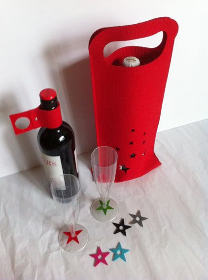 WINE SET. Made out of recycled Fair carpet. Inlcudes: Bag, Identifiers and corkholder+drop stopper.
