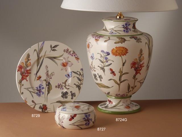 Lámpara de sobremesa grande, plato y caja modelo Flowery. De cerámica italiana San Marco.