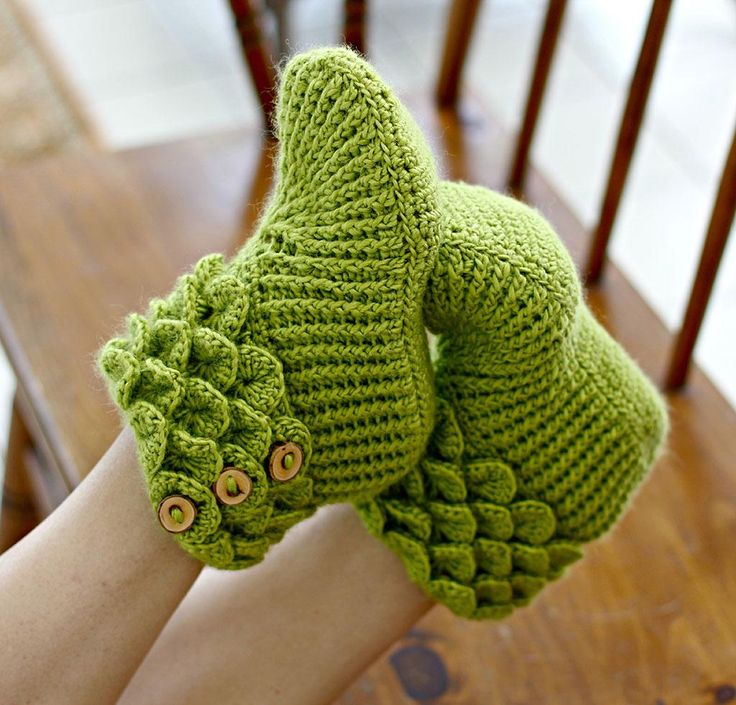 Crocodile Stitch Boots by Lianka Azulay Crochet Slippers Kit - None