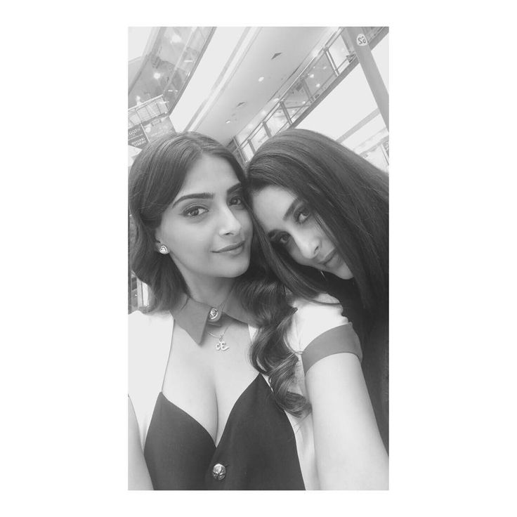 Sonam Kapoor on the set of her new movie doing a selfie with Karen